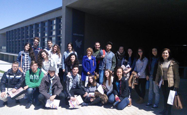 Visita del alumnado de 2º de Bachillerato al I Salón Estudiantil